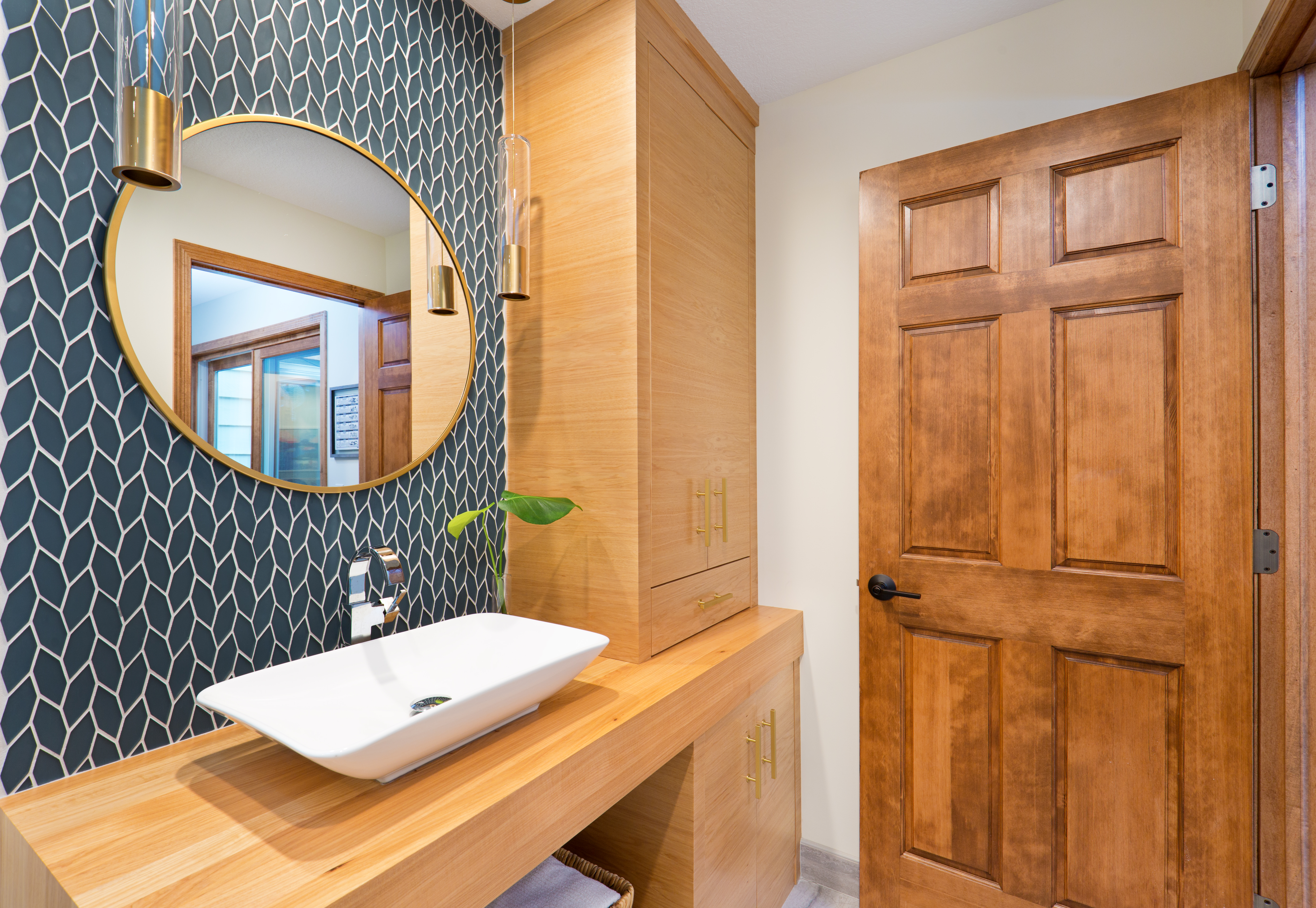 How To Choose A Bathroom Mirror Size Hunker